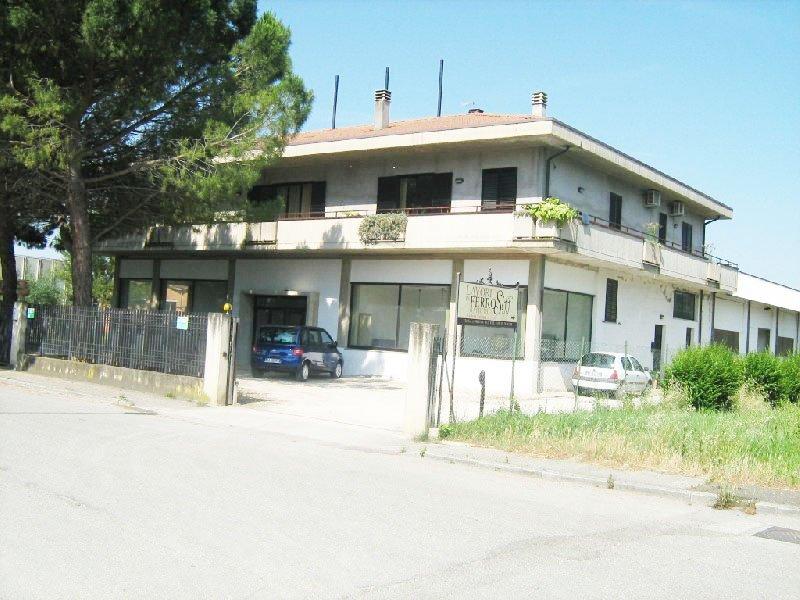 Capannone in vendita a Deruta, 9999 locali, prezzo € 780.000 | Cambio Casa.it