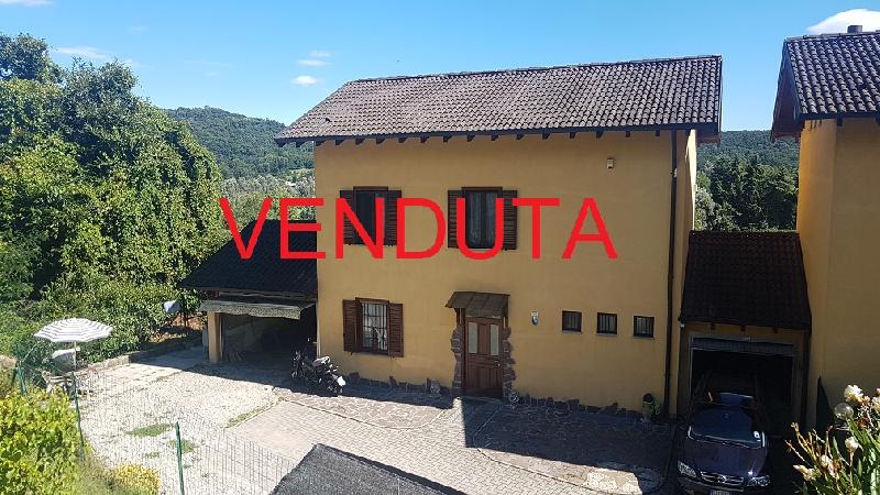 Villa a Schiera in vendita a Varano Borghi, 4 locali, zona le della Brabbia, Trattative riservate | PortaleAgenzieImmobiliari.it